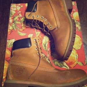 Timberlands leather boots